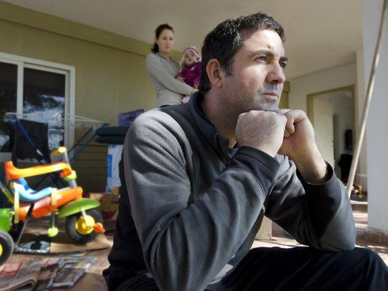 Профсоюзы предлагают выплачивать постоянные пособия безработным с детьми