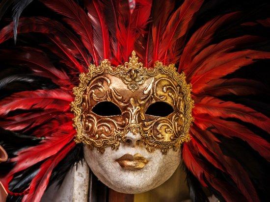 Организаторы карнавала в Рио-де-Жанейро решили перенести мероприятие