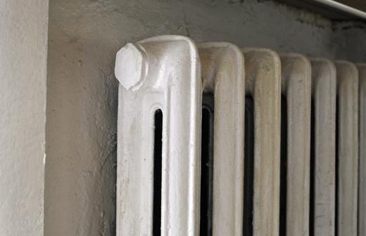 Воробьев поручил начать подачу отопления в жилые дома Московской области