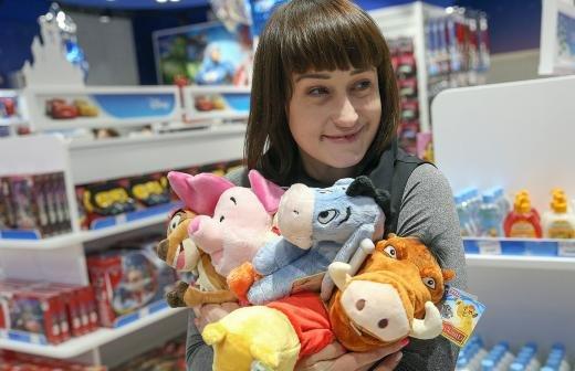 Жительница Челябинска отдала храму игрушки и заметила их в продаже
