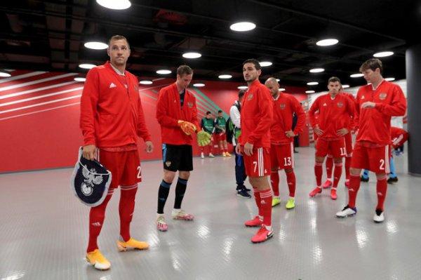 Сборная РФ по футболу начала подготовку к трем предстоящим матчам