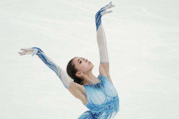 Камила Валиева лидирует после короткой программы на Кубке России