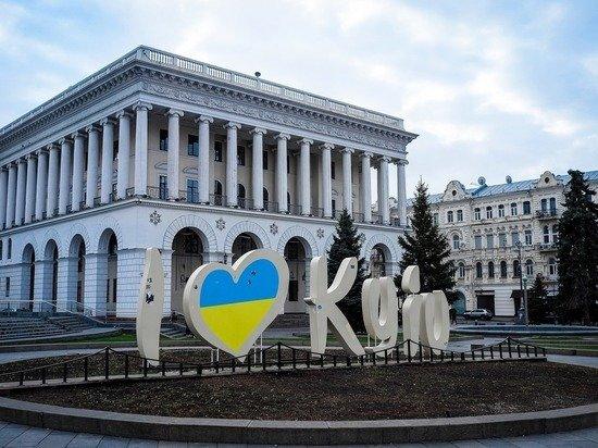 В Киеве заявили, что проведение опроса на выборах противоречит избирательному процессу