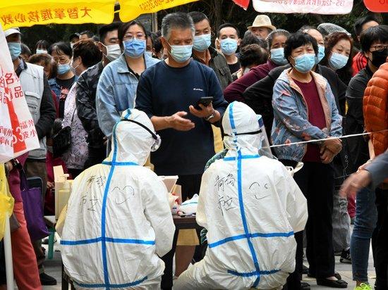 «Статус военного времени»: Китай отреагировал на новую вспышку коронавируса