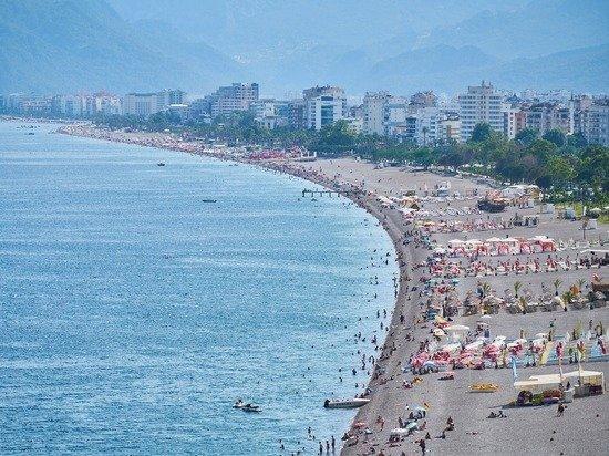 «Словно в советском санатории»: туристы рассказали о Турции в пандемию