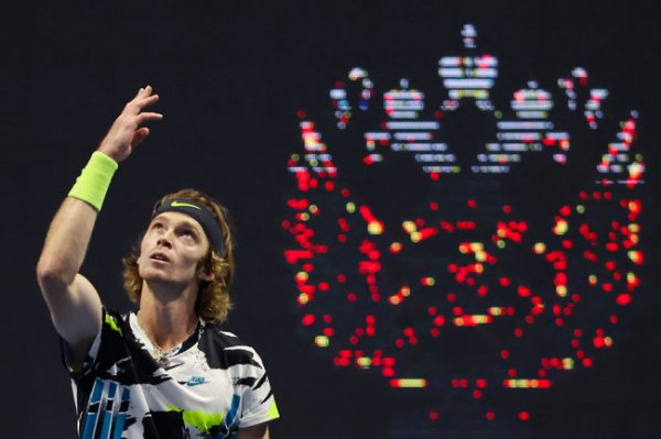 Рублев вышел в полуфинал теннисного турнира в Петербурге, Хачанов - нет
