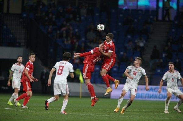 Сборная России по футболу не победила ни в одной из трех игр за неделю