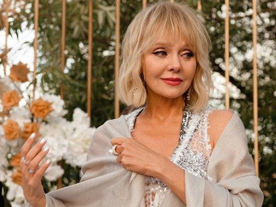 «Мы обалдели»: певица Валерия в бикини потрясла фанатов