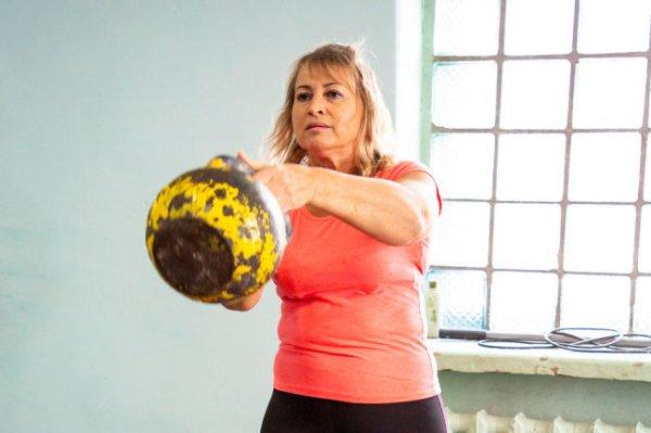 Мать семерых детей стала чемпионкой России по гиревому спорту
