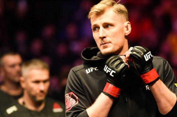 Опубликовано видео нокаутирующего удара Волкова на турнире UFC 254