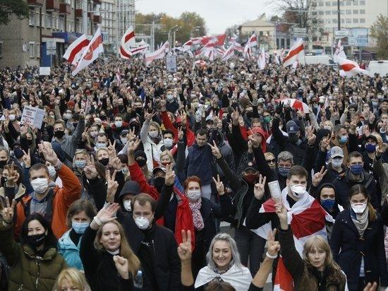 Мощное начало забастовок в Белоруссии заставило Лукашенко нервничать