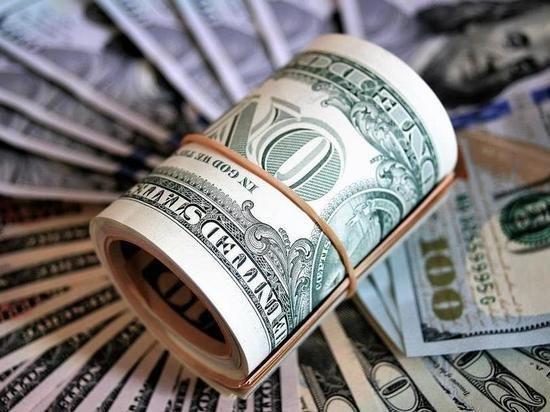 СМИ: российские банки в августе почти вдвое увеличили импорт доллара