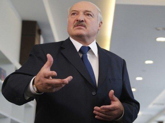 """Лукашенко: """"Пьяные, проколотые"""" оппозиционеры """"вскрывают квартиры"""" белорусов"""