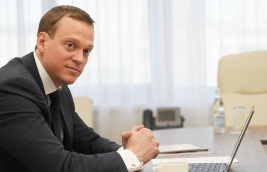 Мурашко анонсировал регистрацию второй в России вакцины от COVID-19