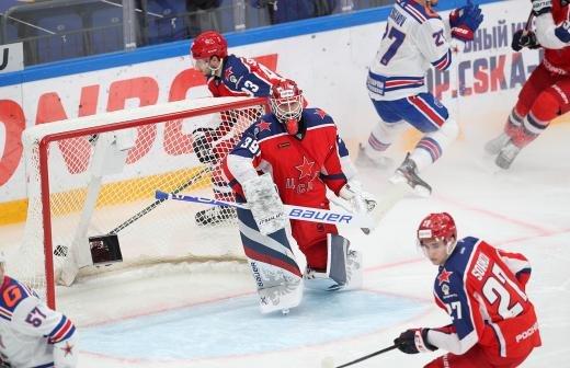 «Легенды хоккея» и «Сахалинские акулы» провели матч в честь Победы
