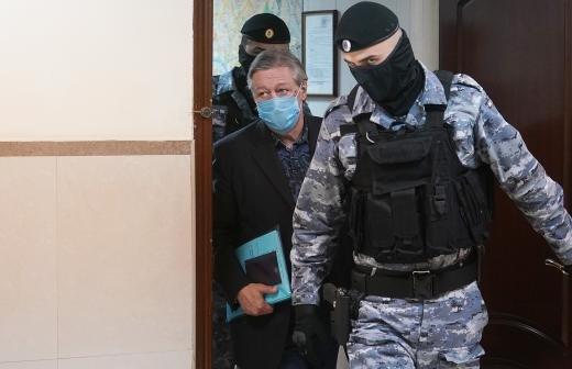 Ефремов отказался выходить к правозащитникам в СИЗО