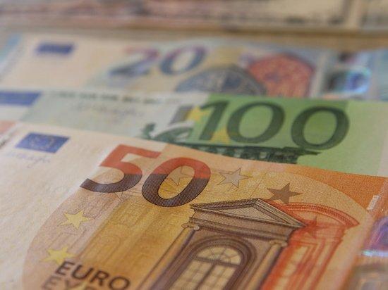 Аналитик объяснил, в какой валюте выгоднее хранить деньги