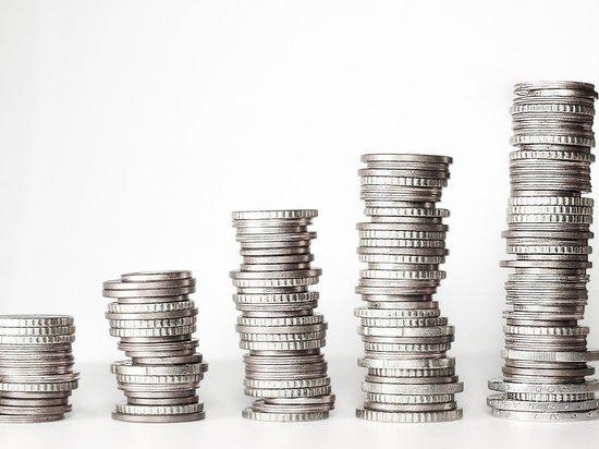 Официальные курсы доллара и евро взлетели более чем на рубль