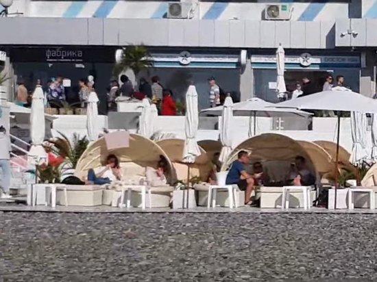 Сезон в Сочи продолжается: отели забиты, о пандемии забыли