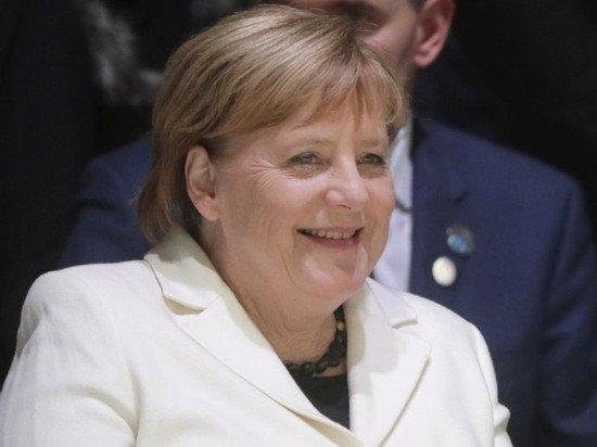 Меркель заявила, что рада сотрудничать с Байденом