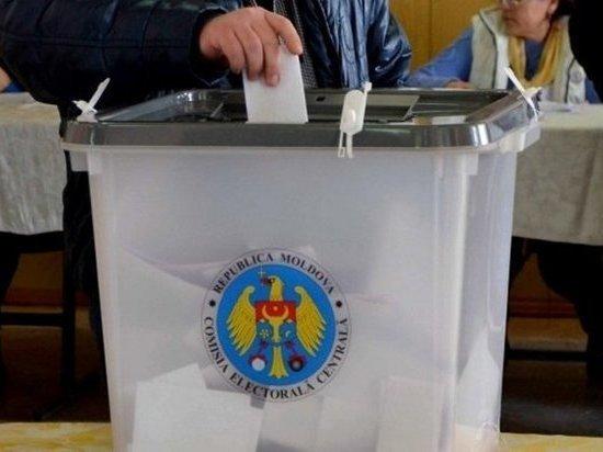 В Молдавии начался второй тур выборов президента