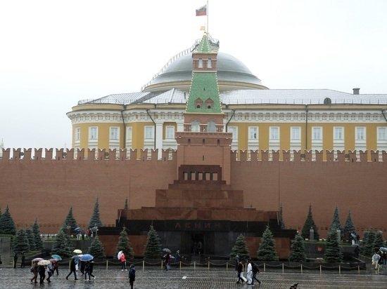 В Москве из-за COVID закроют Мавзолей и некрополь у Кремлевской стены