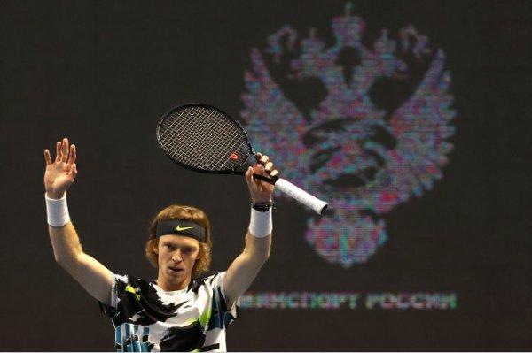 Рублев проиграл Циципасу и лишился шансов на полуфинал Итогового турнира