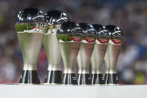 ФИФА объявила претендентов на приз лучшему игроку года