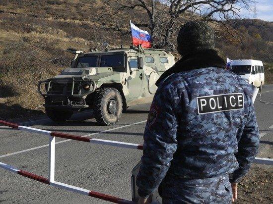 """""""Храни вас Бог"""": армяне и азербайджанцы поблагодарили российских военных в Карабахе"""