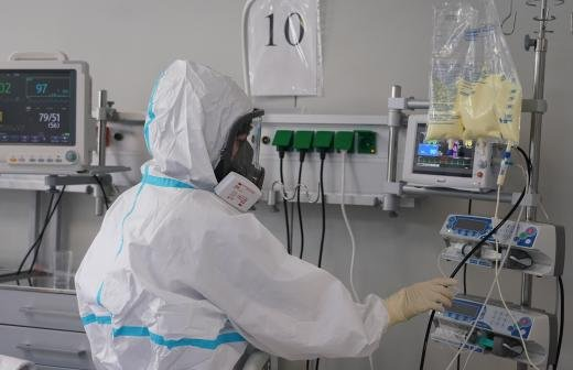 Вирусолог объяснил возможность повторного заражения коронавирусом