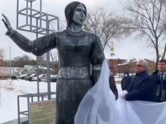 Под Воронежем могут снести испугавший всех памятник Аленке