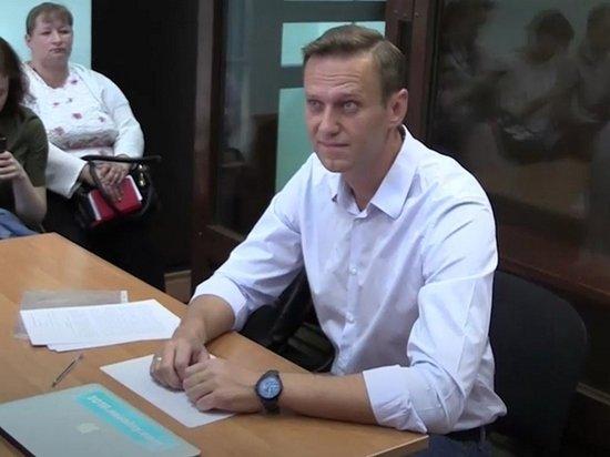 Против Навального возбуждено дело о мошенничестве в особо крупном размере