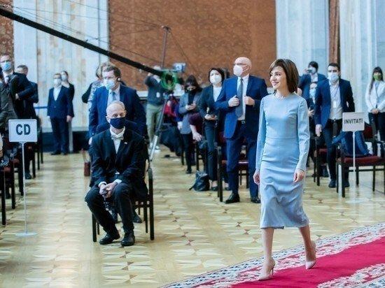 Президент Молдавии Санду выразила готовность приехать в Россию