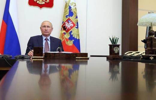 Путин поблагодарил волонтеров за помощь при праздновании Дня Победы