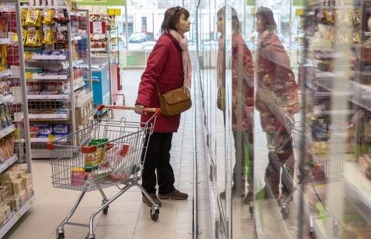 Мишустин поручил создать систему мониторинга цен на социально значимые товары