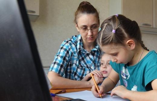 В России новогоднюю выплату получат более 16 млн детей
