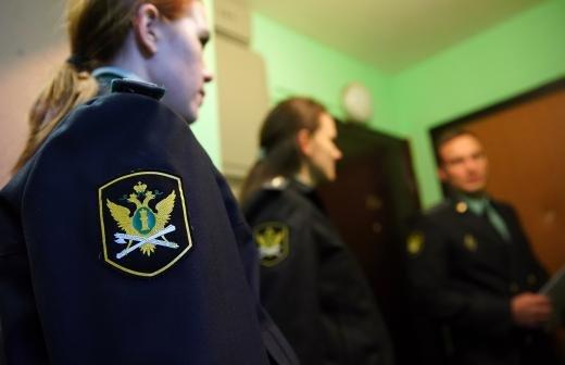 СК начал проверку информации о квартире вдовы актера Крючкова