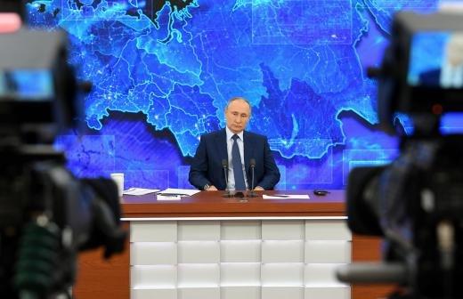 Хуснуллин заявил об умении Путина жестко указать на ошибки подчиненных