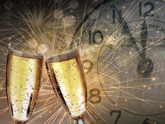 Военные назвали лучшие новогодние тосты