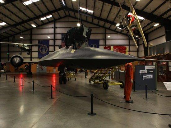 Япония запланировала выпуск беспилотного истребителя к 2035 году