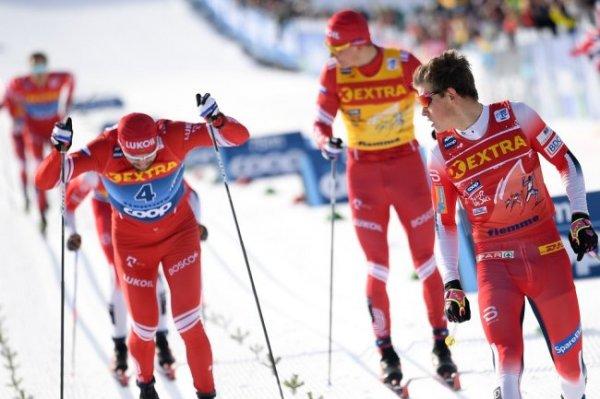 Большунов и еще 10 россиян вышли в плей-офф спринта на