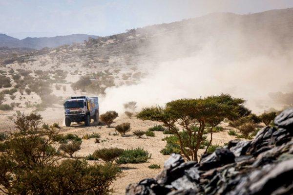 """""""Дакар"""" утверждает, что золото бедуина достойно российских пилотов"""