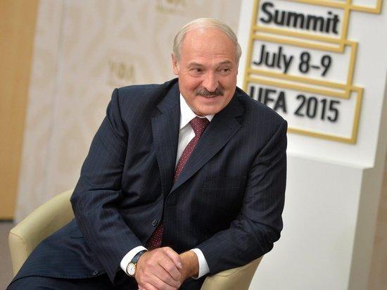 Лукашенко объявил 2021 год Годом народного единства