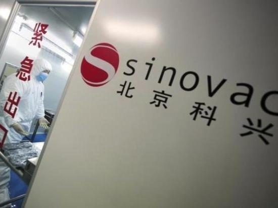 Украина получит 5 млн доз китайской вакцины от COVID-19