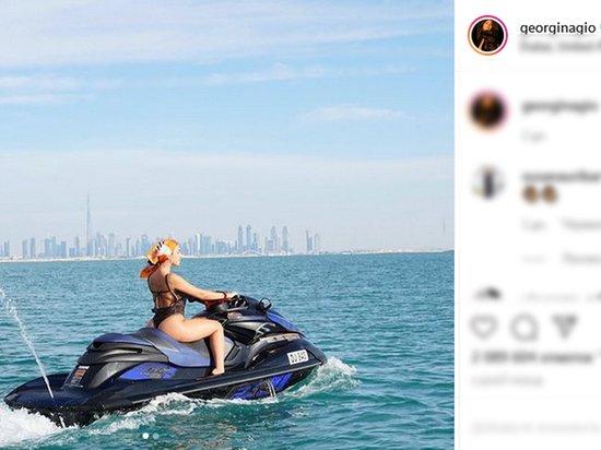 Невеста Роналду устроила жаркую фотосессию в нижнем белье
