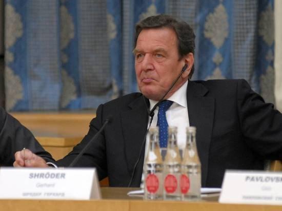 Шредер назвал причины воссоединения Крыма и России