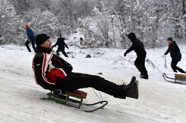 Врач назвал самый полезный для здоровья зимний вид спорта