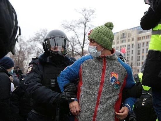 Западные дипломаты высказались о задержаниях участников несанкционированных митингов в России