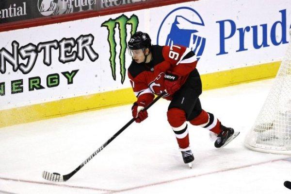 Гусев набрал первое очко в новом сезоне НХЛ