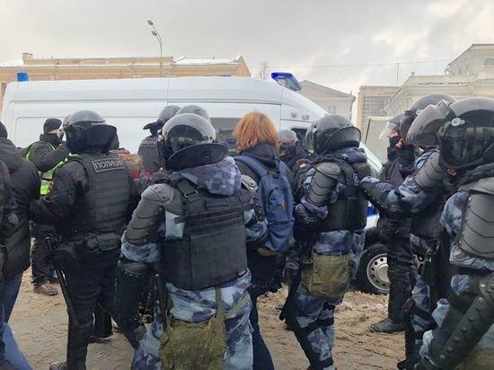 Власти Москвы назвали число участников незаконной акции